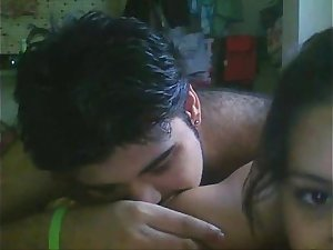 Tamil hot Girlfriend bring boyfrnd to her singleroom and fucking